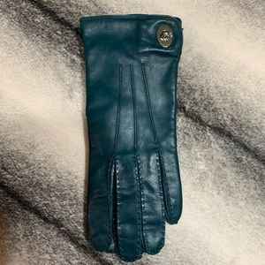 { Coach } Turnlock Leather Gloves Moroccan Blue